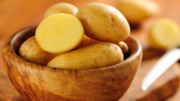 tẩy lông bằng khoai tây, triệt lông bằng khoai tây, cách triệt lông bằng khoai tây, cách tẩy lông bằng khoai tây