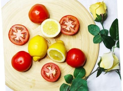 triệt lông tay bằng cà chua