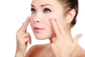 8 bài massage da mặt thần thánh giúp xóa nhăn vùng dưới mắt