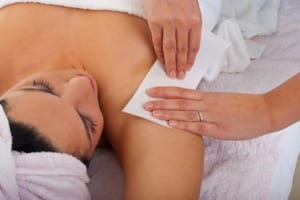 Cách wax lông nách tại nhà không đau, không bị thâm