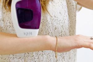 Máy triệt lông cá nhân mini Veet loại cầm tay – Review qua thông số cụ thể