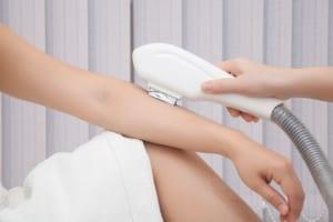 Triệt lông có an toàn không? – Câu trả lời chuẩn nhất