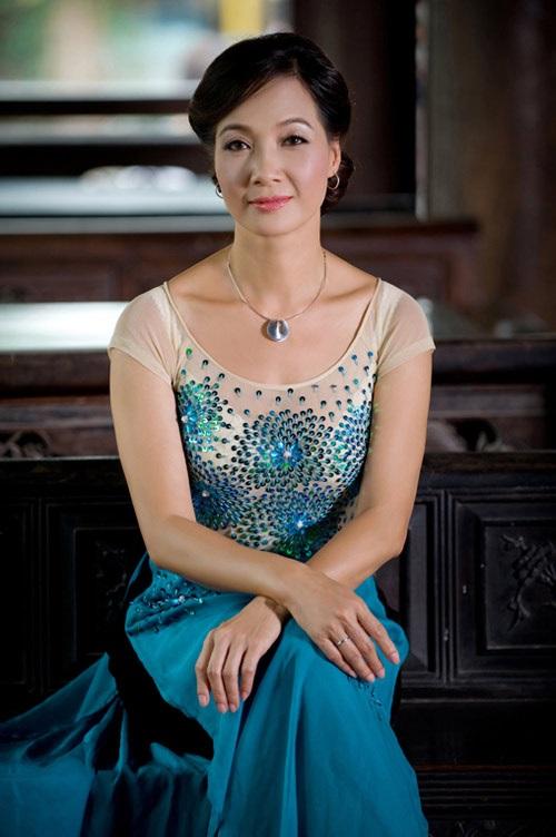 Mặc dù đã bước sang tuổi 55 nhưng NSND Lê Khanh vẫn sở hữu vóc dáng mà nhiều người ngưỡng mộ