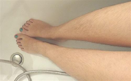 Cách tẩy lông chân bằng đường