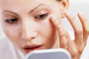 Tránh các sai lầm khi chăm sóc da tại nhà để ngăn ngừa lão hóa da