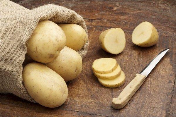 Tẩy lông bằng phương pháp cổ truyền với khoai tây