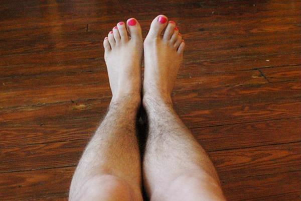 Cách wax lông chân