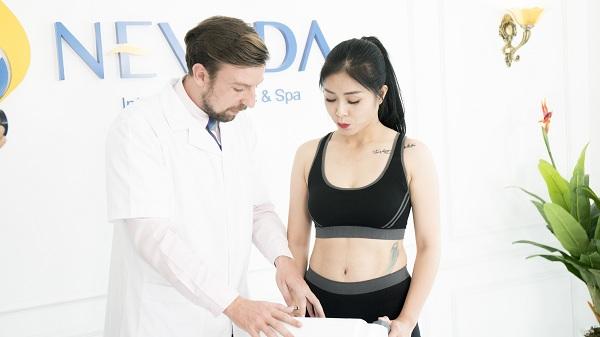 MC Hoàng Linh tự tin trải nghiệm công nghệ giảm béo Max Burn Lipo