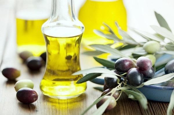 giảm cân bằng dầu oliu, dầu oliu giảm cân, dầu oliu có béo không, dầu oliu, ăn dầu oliu có mập không, dầu olive, dầu oliu có mập không, dầu oliu nấu ăn có mập không, dau oliu, dầu oliu ăn kiêng, dầu oliu có giảm cân không