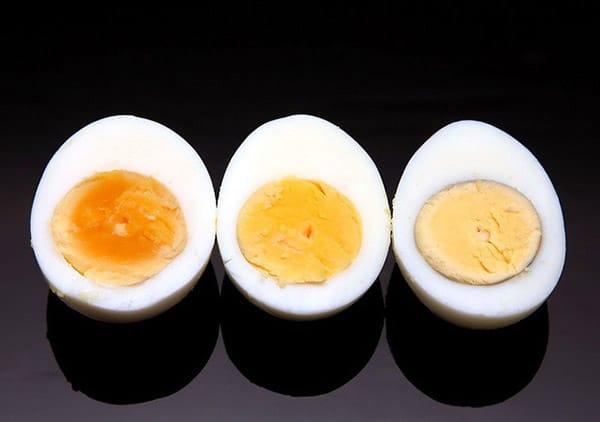 ăn trứng luộc ban đêm có béo không