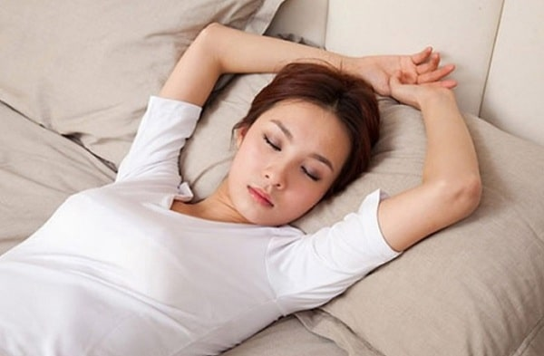 tư thế ngủ giảm mỡ bụng, tư thế ngủ giúp giảm mỡ bụng, tư thế nằm ngủ giảm mỡ bụng, tư thế ngủ làm giảm mỡ bụng, tư thế nằm ngủ giúp giảm mỡ bụng, cách nằm giảm mỡ bụng, nằm sấp có giảm mỡ bụng không