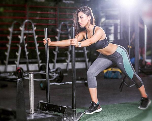 chế độ ăn giảm mỡ cho nữ tập gym