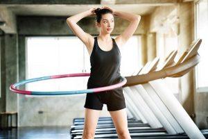 Lắc vòng có giảm mỡ bụng dưới không? Những tác dụng tuyệt vời không ngờ của lắc vòng giảm mỡ bụng