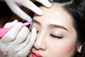 Phun xăm lông mày là gì? Cách chọn màu và dáng mày phù hợp với khuôn mặt