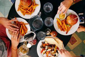 Chuyên gia dinh dưỡng hé lộ danh sách cực shock những loại thực phẩm gây béo bụng