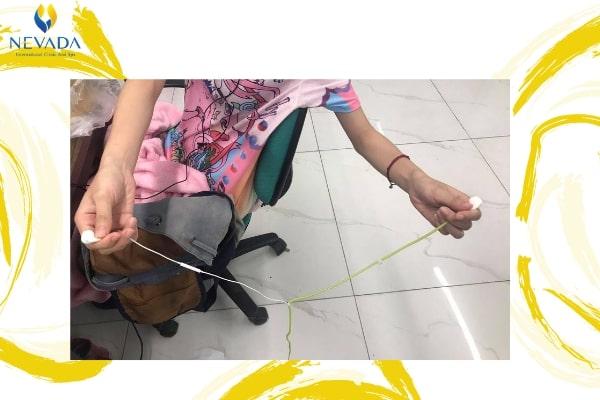 đo vòng eo bằng tai nghe, trend đo eo bằng tai nghe, cách đo eo bằng tai nghe, đo eo bằng dây tai nghe, thử thách đo eo bằng tai nghe, trào lưu đo eo bằng tai nghe, cách đo vòng eo bằng tai nghe, trend đo vòng eo bằng tai nghe