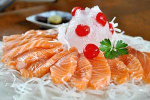 100gr cá hồi bao nhiêu calo, protein? Ăn cá hồi có béo không? Ăn cá hồi có giảm cân không? Bật mí lượng calo trong cá hồi