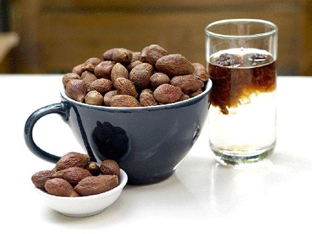 hạt đười ươi có giảm cân không, hạt đười ươi giảm cân, hạt đười ươi bao nhiêu calo, Cách sử dụng hạt đười ươi giảm cân