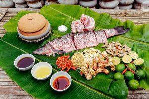100g cá trắm chứa bao nhiêu calo? Ăn cá trắm có béo không? Chuyên gia dinh dưỡng giải đáp