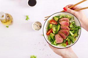 Học Masterchef cách làm salad cá ngừ giảm cân cực ngon, lại có thể đánh bay mỡ thừa trong chớp mắt