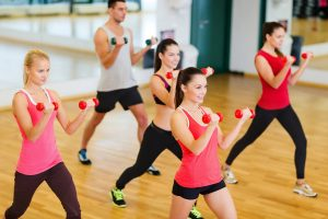 Tập aerobic có giảm cân được không? Chia sẻ kinh nghiệm tập aerobic cho eo thon, dáng chuẩn