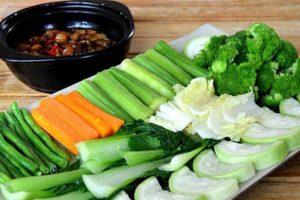 Chuyên gia dinh dưỡng chia sẻ Thực đơn giảm cân bằng rau củ luộc giúp giảm 2-3kg trong 1 tuần