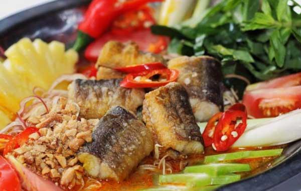 ăn lươn có béo không, 100g lươn chứa bao nhiêu calo, ăn miến lươn có béo không, miến xào lươn bao nhiêu calo, calo trong lươn, calo trong miến lươn