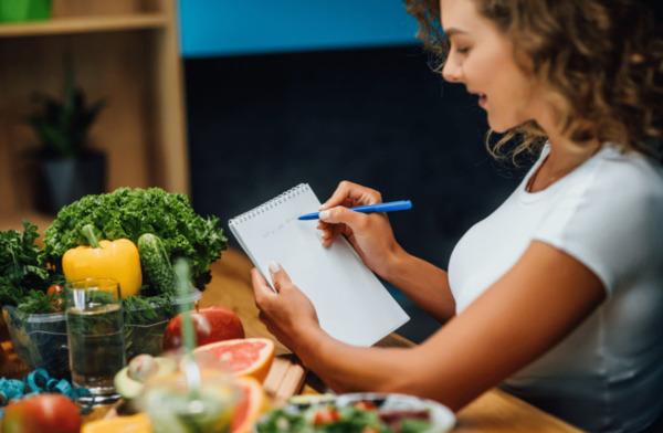 ăn nhạt có giảm cân không, tại sao ăn nhạt lại giảm cân, giảm cân nên ăn mặn hay nhạt, tại sao giảm cân phải ăn nhạt