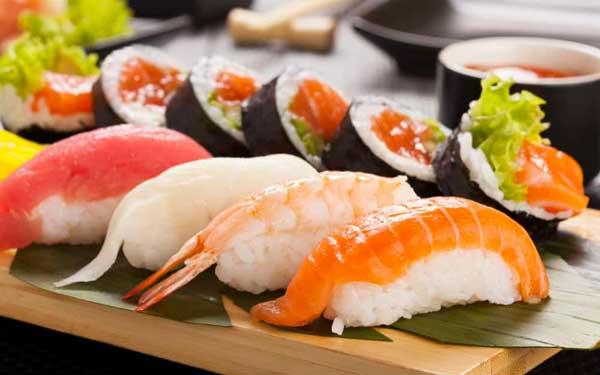 ăn sushi có béo không, ăn sushi có mập không, ăn sushi có giảm cân không, sushi bao nhiêu calo