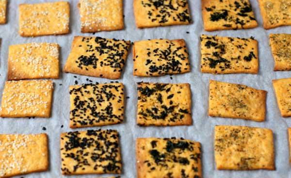 bánh quy coconut cracker bao nhiêu calo, bánh soda cracker bao nhiêu calo, bánh cracker tảo biển bao nhiêu, ăn bánh cracker có béo không, bánh cracker bao nhiêu calo