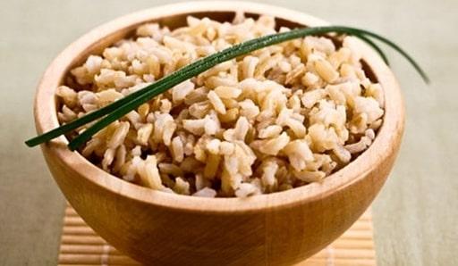 gạo lứt trắng có giảm cân không, gạo lứt trắng giảm cân, ăn gạo lứt trắng giảm cân, ăn gạo lứt trắng có giảm cân không, gạo lứt trắng và đỏ, gạo lứt trắng khác gạo lứt đỏ
