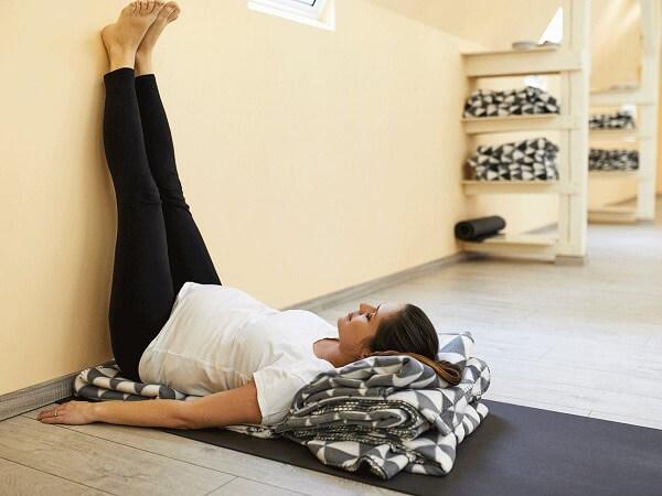 nằm gác chân lên tường giảm cân, gác chân lên tường giảm mỡ bụng, nằm gác chân lên tường giảm mỡ bụng, gác chân lên tường giảm cân, để chân lên tường giảm cân, gác chân lên tường có giảm cân không, gác chân lên tường có giảm mỡ bụng, giảm cân bằng cách gác chân lên tường, gác chân lên tường có giảm mỡ bụng không