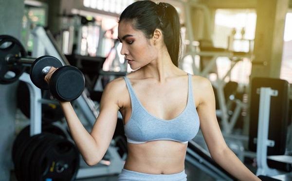 đẩy tạ giảm cân, tập tạ có giảm cân không, tập tạ có giảm mỡ không, tập tạ nặng có giảm mỡ không, bài tập tạ cho nữ giảm cân, bài tập tạ cho nữ giảm cân tại nhà